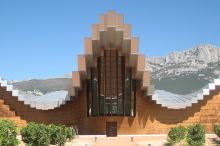 Gebäude der Bodegas Ysios Rioja